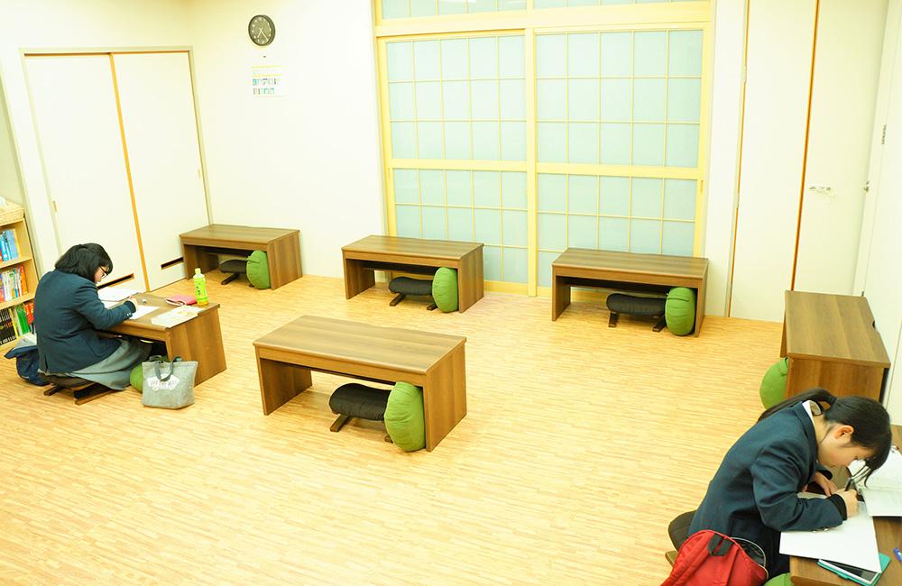 葛巻町公営塾の自習室